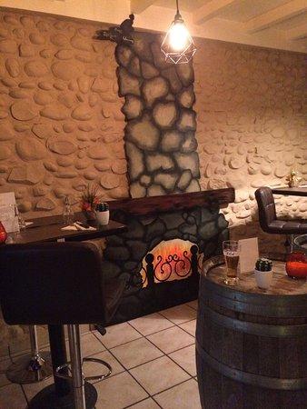 Charavines, Fransa: Restaurant Pizzeria C'L'Essentiel
