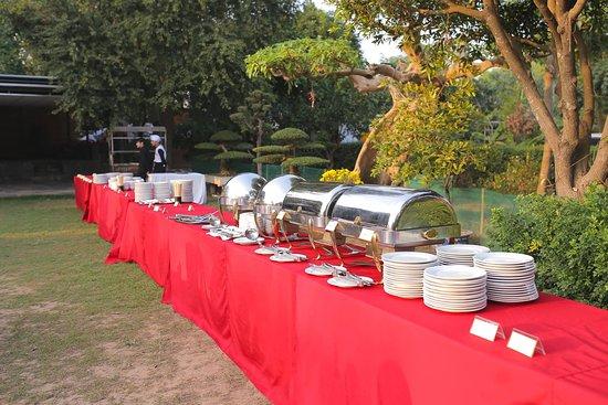 Etonnant Buffet Setup Of Softwater Restaurant