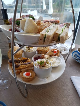 Sidmouth Harbour Hotel - The Westcliff: Valentines cream tea