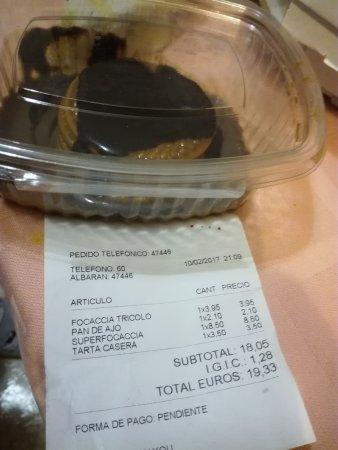 Pizzería La Focaccia: Tarta de chocolate 3,50... galletas con sirope