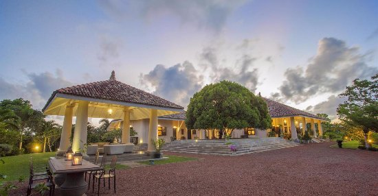 Villa Mayurana by Edwards Collection