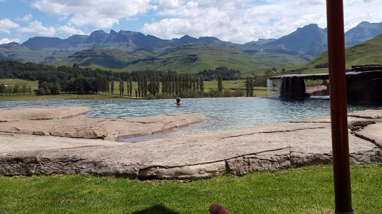 Bushmans Nek Berg & Trout Resort Photo