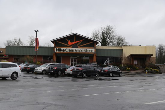 e84b4c1b193 Nike Clearance Store In Centralia - Picture of Centralia Outlets ...