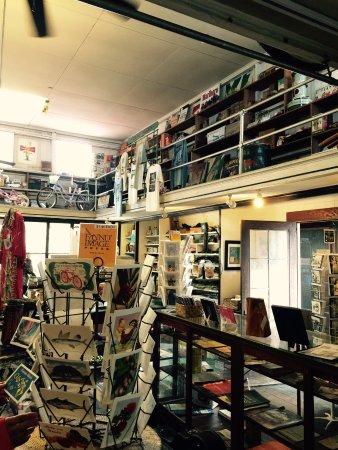 Holualoa, HI: 店内の様子