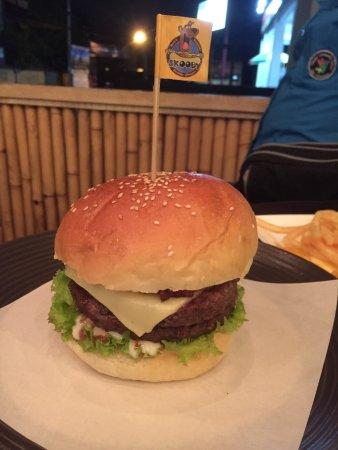 Skooby Hotdogs & Burgers: photo0.jpg