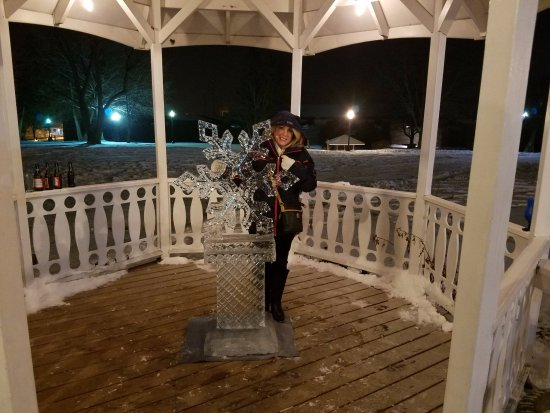 Fort William Henry Hotel and Conference Center: the hotel had ice sculptures and ice bar