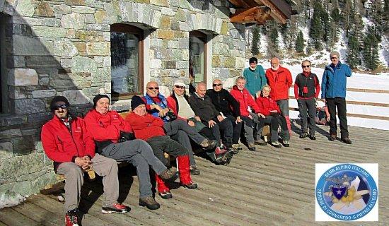 Nus, Italia: A fine pranzo, foto di gruppo degli escursionisti del CAI Geam.