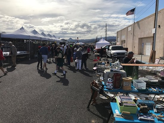 Lake Havasu Sunday Swap Meet & Vehicle Mart