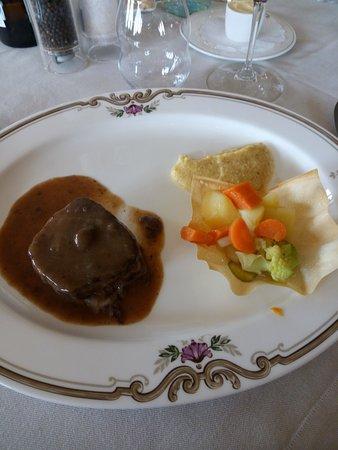 Bovio : brasato di manzo al Barolo, con polenta e verdure