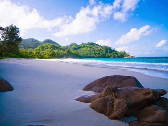 Anse Intendance: 綺麗な砂と海のコントラスト