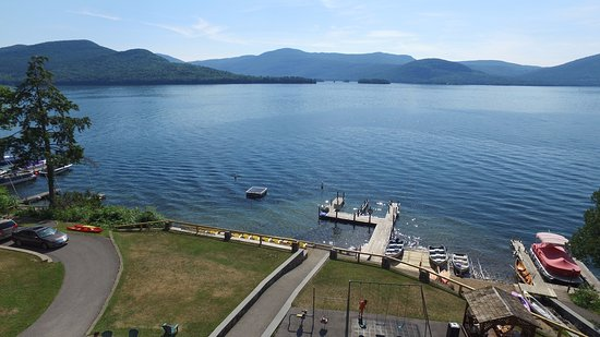 Candlelight Cottages LLC on Lake George: Play ping pong, swing on our swings or relax in the gazebo and enjoy gorgeous views!