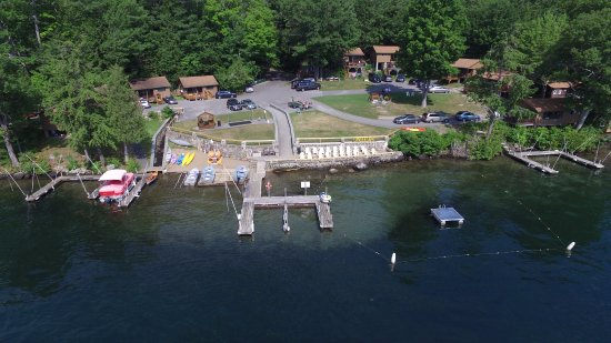 Candlelight Cottages LLC on Lake George: Overview of lakefront properties