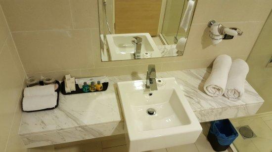The Straits Hotel U0026 Suites: Tabletop Sink, Hair Dryer, Bath Towels U0026  Complimentary
