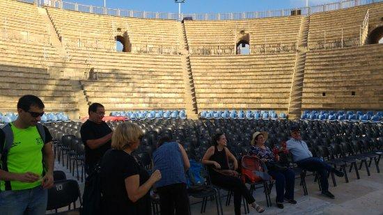 Caesarea, Israel: תיאטרון