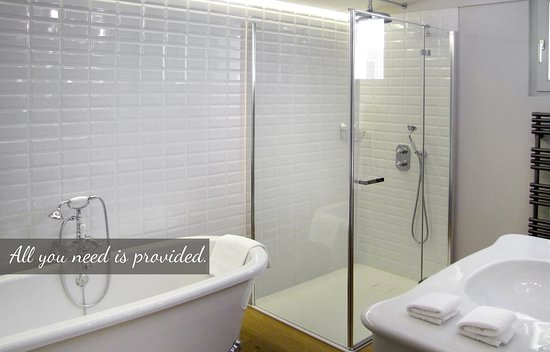 Waldhotel Fletschhorn : Panorama suite, bathroom