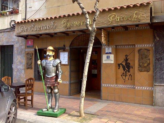 Restaurante Universal Pacoche: Fachada del restaurante.