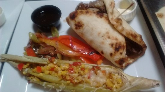 New Prague, Μινεσότα: Prime Rib wrap with roasted corn in the husk