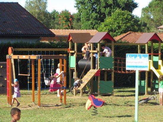 Aureilhan, France: Aire de jeux pour enfants