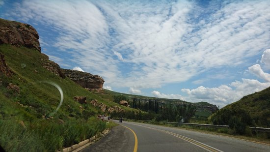Free State, Sydafrika: Drive to Golden Gate Nature Reserve