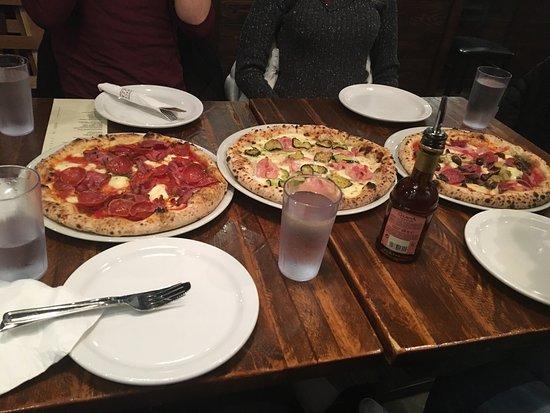 Via Tevere Pizzeria: photo0.jpg