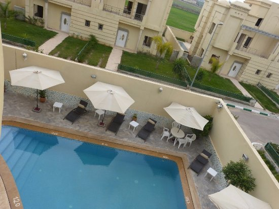 Piscine vue de chambre picture of hotel arena fes fes for Hotel fes piscine