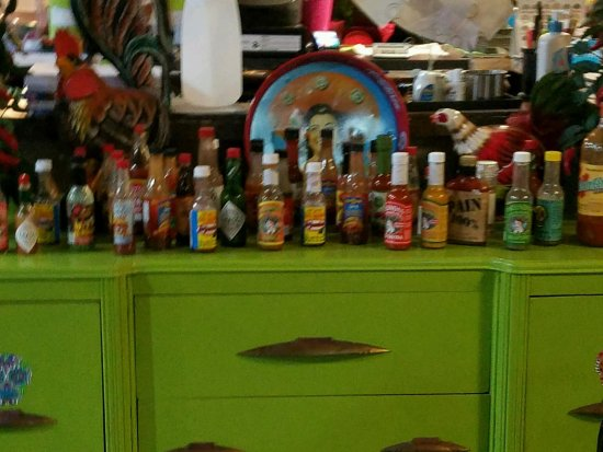 Plymouth, Индиана: Great hot sauce collection.