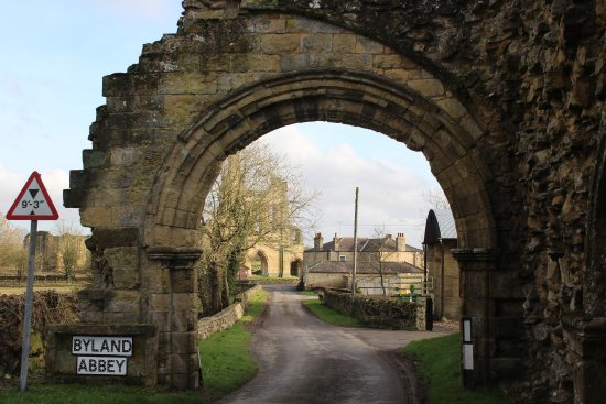 Coxwold, UK : Old entrance