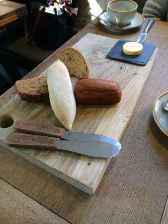 Hadleigh, UK: Bread platter
