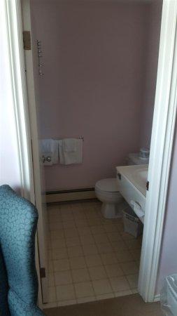 Souris, Canadá: Bathroom