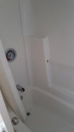 Souris, Canada: Shower/Tub