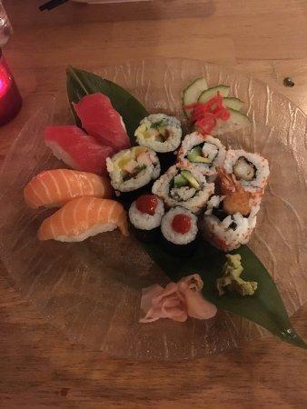 Zen Japanese & Oriental Restaurant: photo0.jpg