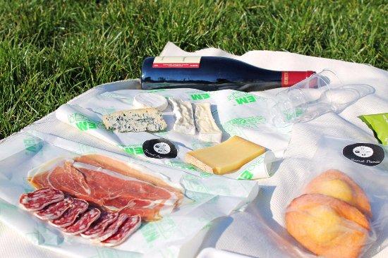 Secret picnic paris op ra bourse restaurant avis num ro de t l phone photos tripadvisor - Numero de telephone printemps haussmann ...