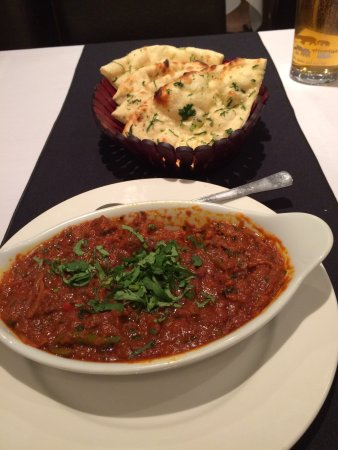 Bromyard, UK: Lamb Sooka Bhoona with corianda nan