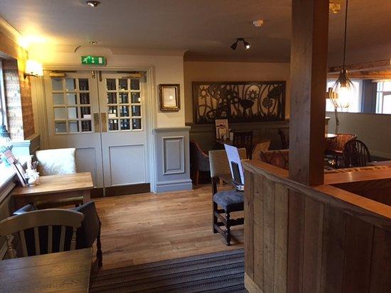 Fieldhead Hotel: Bar area