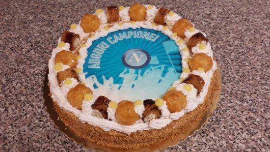 Torta Di Compleanno Con Cialda Personalizzata Picture Of