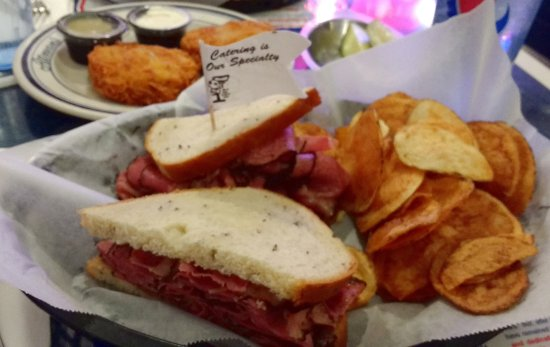 Potomac, MD: Pastrami Sandwich on Rye, served with chips