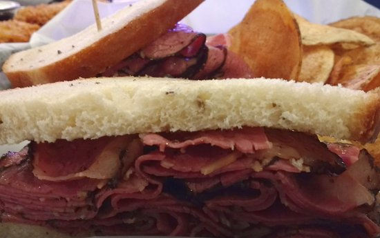 Potomac, MD: Plenty of good hot Pastrami in the sandwich