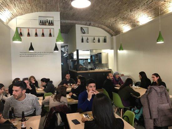 Cagliari: Mangiogiusto, Bar-ristorante di recente apertura cerca cuoco