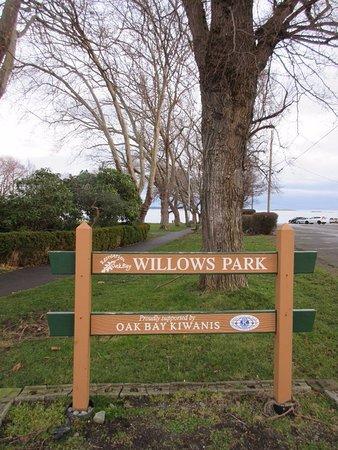 Oak Bay, Kanada: Signage