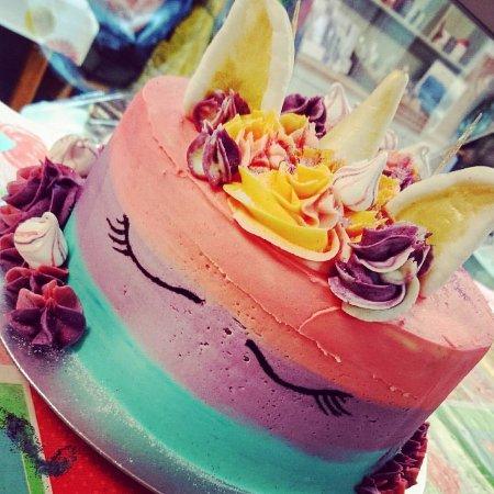 Fochabers, UK: Unicorn birthday cake..available to order :)