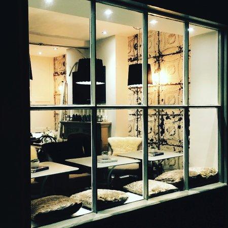 Oakham, UK: Nightime at Fika, cosy and welcoming
