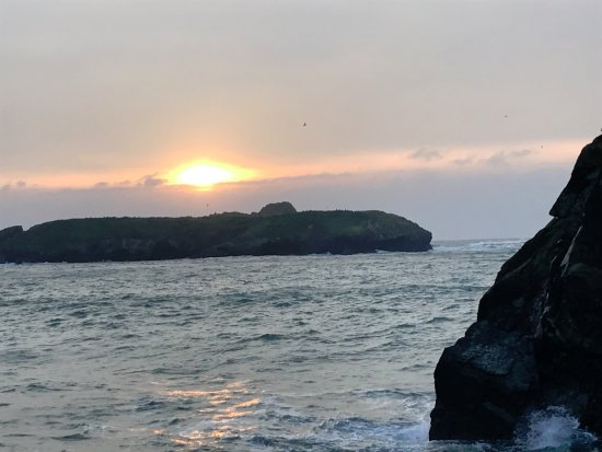 Mullion, UK: Sunset from the Harbour