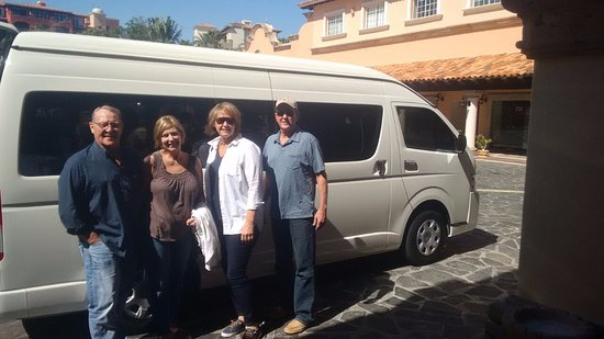 VIP Transportation Los Cabos: Our customers and your friends enjoy of Cabos.