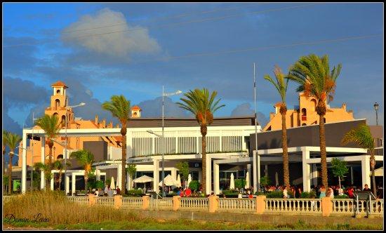 Centro Comercial Bahia Sur