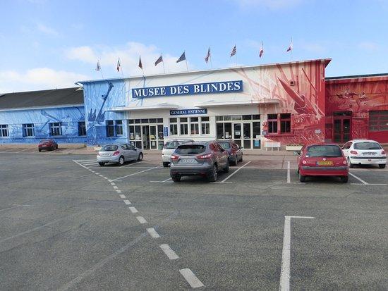 Musée des blindés : The Museum entrance