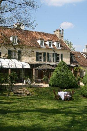 Varennes-Jarcy, France: Une hostellerie de plein air