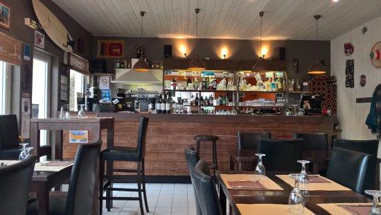 Le Grand-Village-Plage, Франция: bar