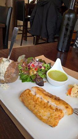 Le Grand-Village-Plage, Frankrike: merlu à l'oseille