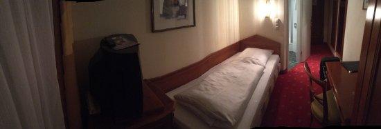 Hotel Aurbacher: Single Room 211 on 2nd floor