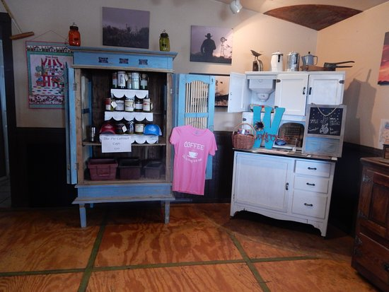 Wickenburg, AZ: Inside there are a few treasures to tempt you!